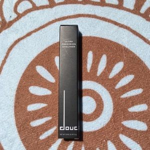 Other - Doucce Black eye liner